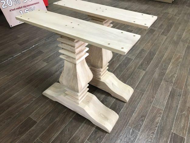 Jambes en bois de table