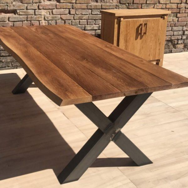 Table à manger extérieure avec pieds en métal