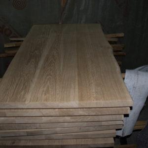 C'est beaucoup de dessus de table en bois de chêne sans couvrir