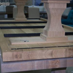 La photo comme ressemble à une table-dessus de bois avec un fond