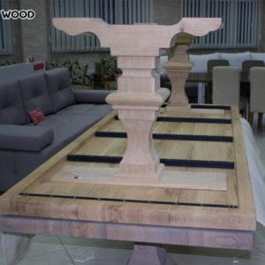 pour regarder dans la photo complète que le dessus de table de bois avec un bas regarde