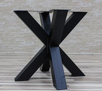 legs for table 2 Production de pieds de tables en acier et en bois